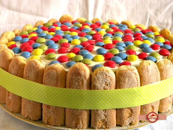 Tort colorat pentru copii