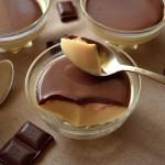 Panna cotta cu sos de ciocolata