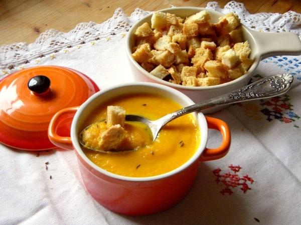 Supa crema de morcovi cu chimen si ghimbir