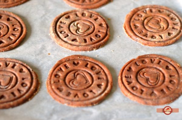 biscuiti de casa cu crema caramel4