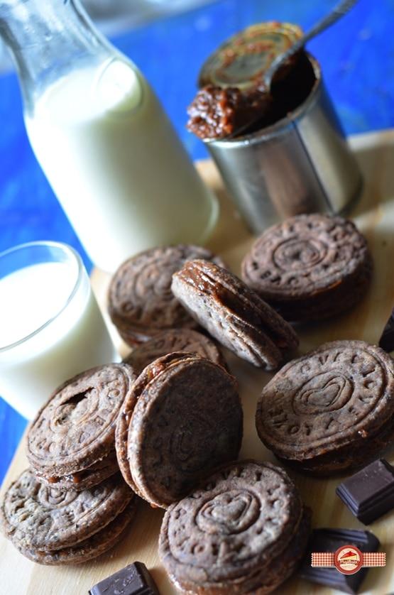 biscuiti de casa cu crema caramel6