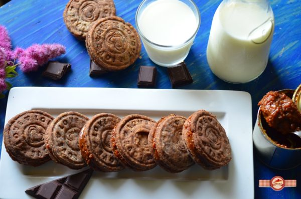biscuiti de casa cu crema caramel8