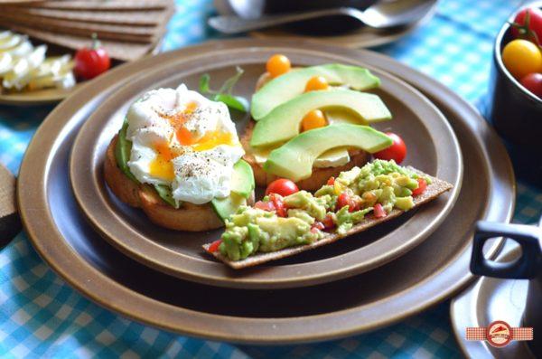 mic-dejun-cu-avocado2