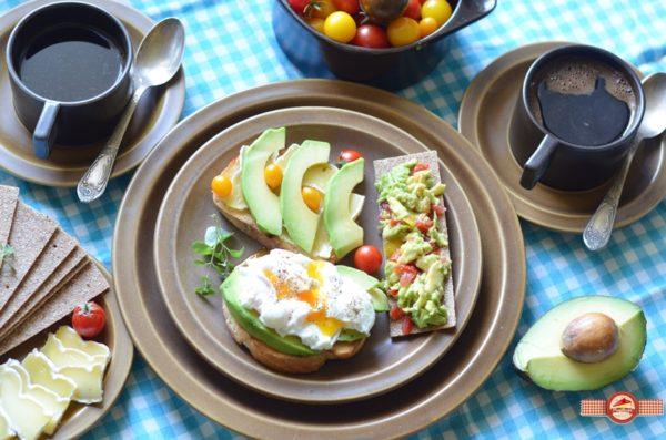 mic-dejun-cu-avocado3