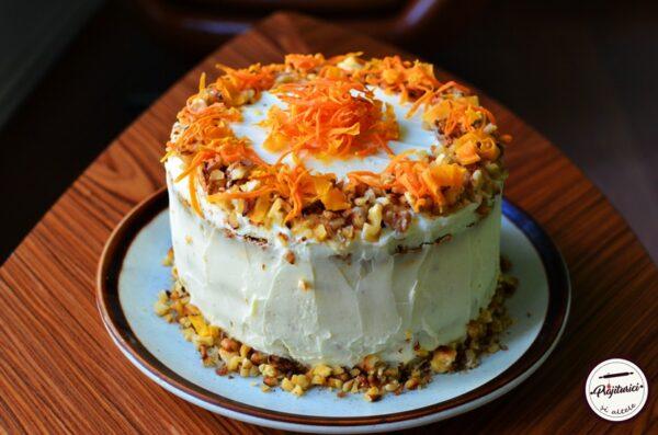 tort de morcovi-carrot cake