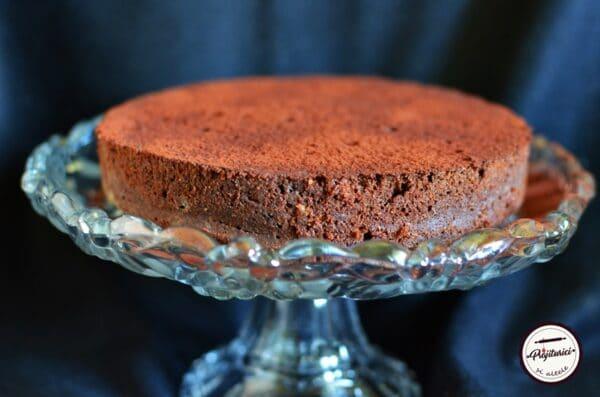 prajitura cremoasa cu ciocolata.