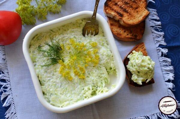 Salata de dovlecei cu usturoi si iaurt